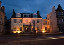 peebles - The Tontine Hotel