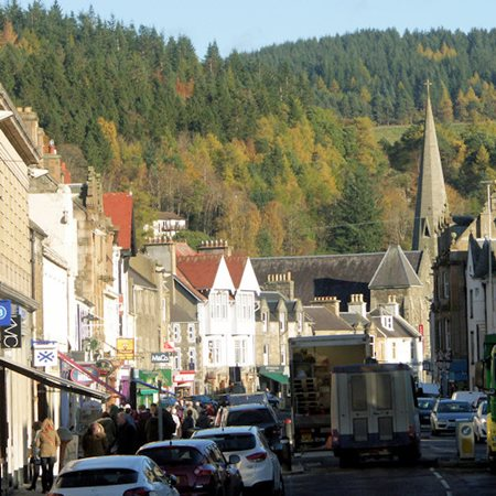 View High Street Shopping in Peebles